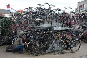 Fahrräder stapelweise