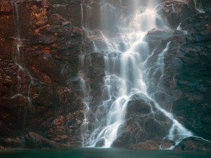Froda-Wasserfall (hinter Sonogno)